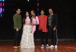 Dhadak Movie Promotion On The Sets Of Best Dramebaaz