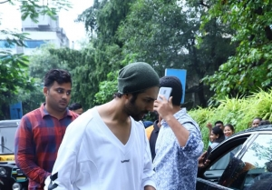 Kartik Aaryan and Ananya Pandey Snapped After Dance Rehearsals