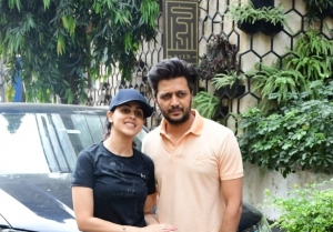 Riteish Deshmukh and Genelia D'souza snapped at gym in Mumbai