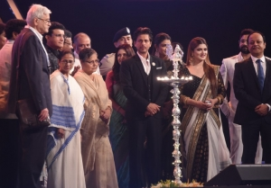 Shahrukh Khan, Mamata Banerjee and Others At The Opening Ceremony Kolkata International Film Festival 2019