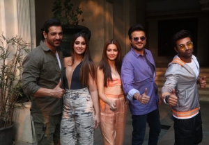 Star Cast of 'Pagalpanti' snapped promoting the film in BKC