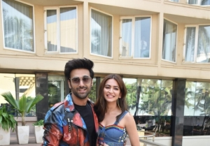 Star Cast of 'Pagalpanti' snapped promoting the film