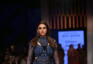 Aditi Rao Hydari walks the Ramp at Lakme Fashion Week 2020