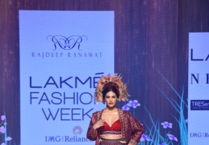 Amyra Dastur walks the Ramp at Lakme Fashion Week 2020