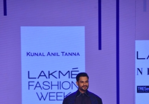 Kunal Khemu walks the Ramp at Lakme Fashion Week 2020