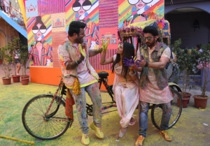 Mouni Roy, Remo D'Souza, Varun Sharma and others snapped shooting a Holi song