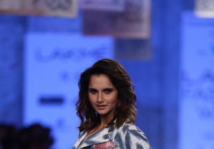 Sania Mirza walks the Ramp at Lakme Fashion Week 2020