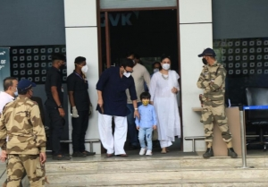 Kareena Kapoor, Saif Ali Khan and Taimur Ali Khan snapped at Kalina Airport