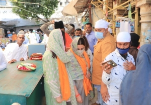 Sara Ali Khan and Amrita Singh at Ajmer Sharif Dargha