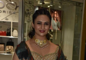 Divyanka Tripathi at phoenix market City power woman fiesta