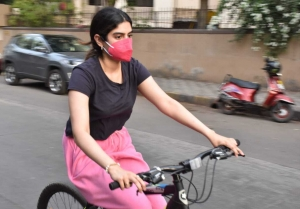 Janhvi Kapoor And Khushi Kapoor snapped cycling in Lokhandwala