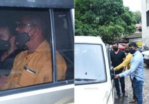 Raj Kundra రెండు రోజుల పోలీసు రిమాండ్లో ఎలా ఉన్నాడో చూడండి!