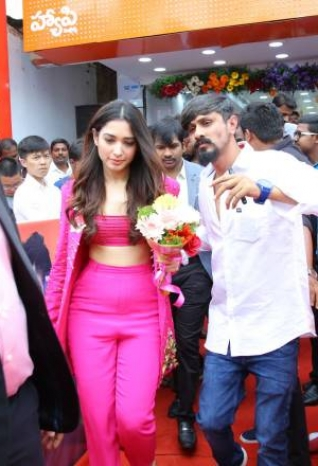 Tamanna Launched Happi Mobiles Show Room At Bhimavaram