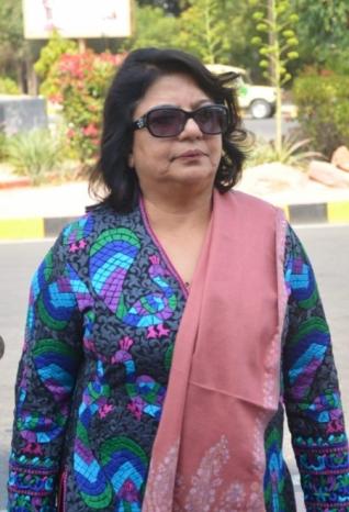 Priyanka Chopra Mother Spotted At Jodhpur For Wedding Prepartions