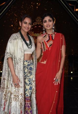 Varun Dhawan, Alia Bhatt and Sonakshi Sinha Promote 'Kalank' on sets of Super Dancer Chapter 3