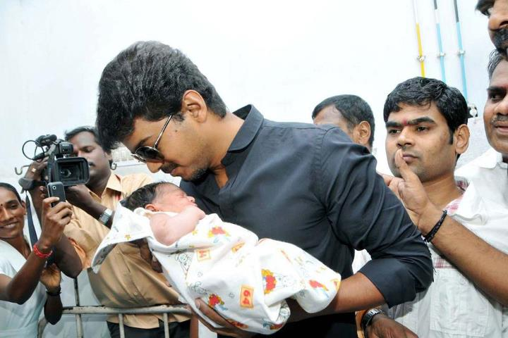 Vijay gifts golden rings to new born babies