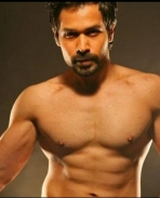 Emraan Hasmi six pack abs