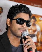 Allu Arjun at Bangalore for promotion 02