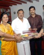 MK Alagiri Invited Kamal