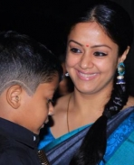 36 vayadhinile Jyothika