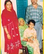 Kanagana ranaut's family