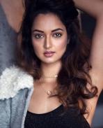 Sakshi Chaudhary latest glam pics