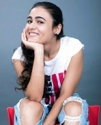 Shalini Pandey Latest Photos