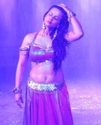Sharmila Mandre hot in Mass Leader