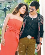 touch chesi choodu movie latest pics