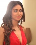 Myra Sareen latest pics