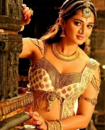 Anushka Shetty's new look in rudhramadevi