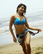 Samantha in bikini