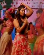 Anjali Hot in Allu Arjun's Sarrainodu