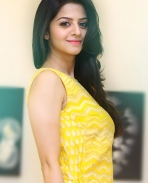 Actress Vedhika Latest photos