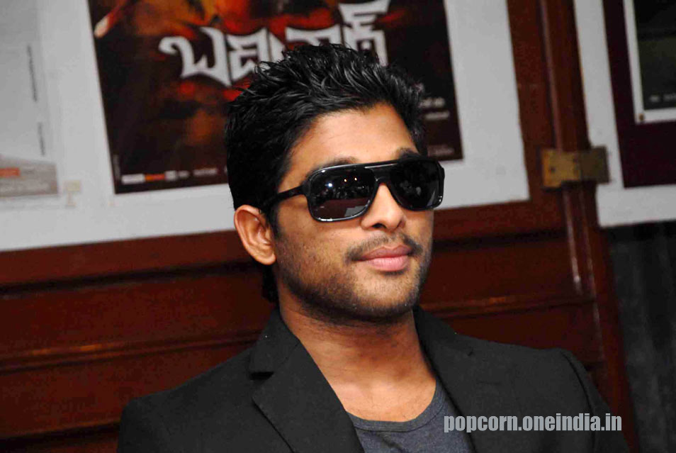Allu Arjun at Bangalore for promotion