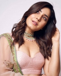 Raashi Khanna latest latest photos set 21