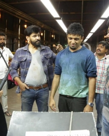 Iru Mugan  Working Stills