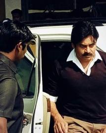 agnathavaasi movie latest working stills