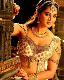 Anushka Shetty's new look in rudhramadevi
