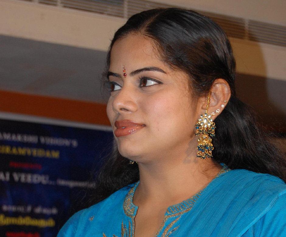 <b>Deepa venkat</b> latest stills - 711_20100209_55404900_Deepa_venkat6