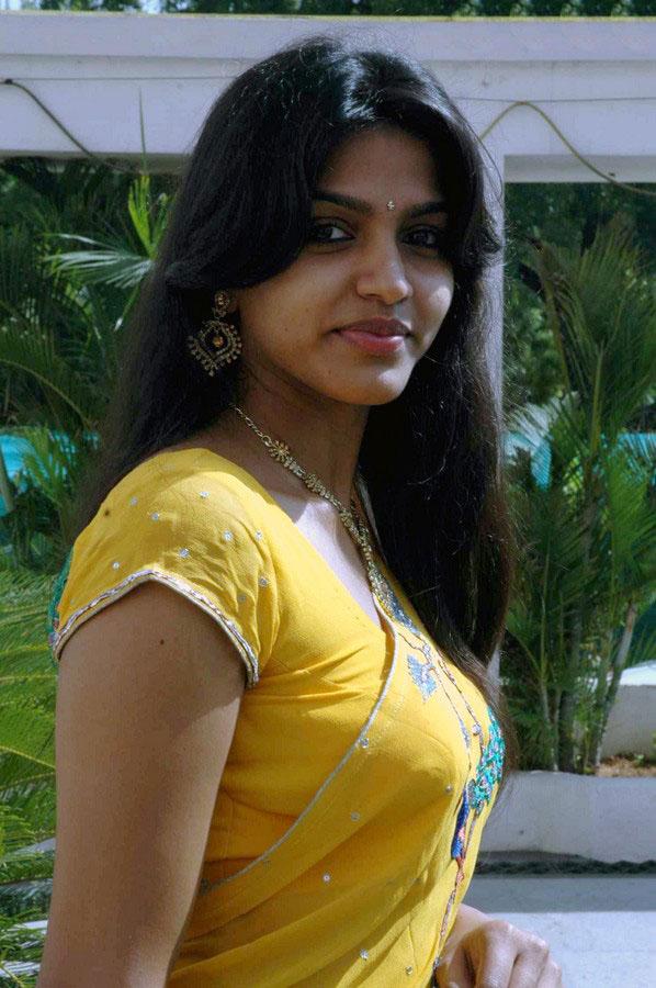 Tanishka4