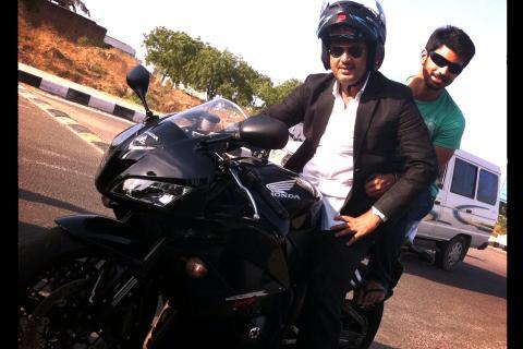 Thala Riding 1000CC Honda