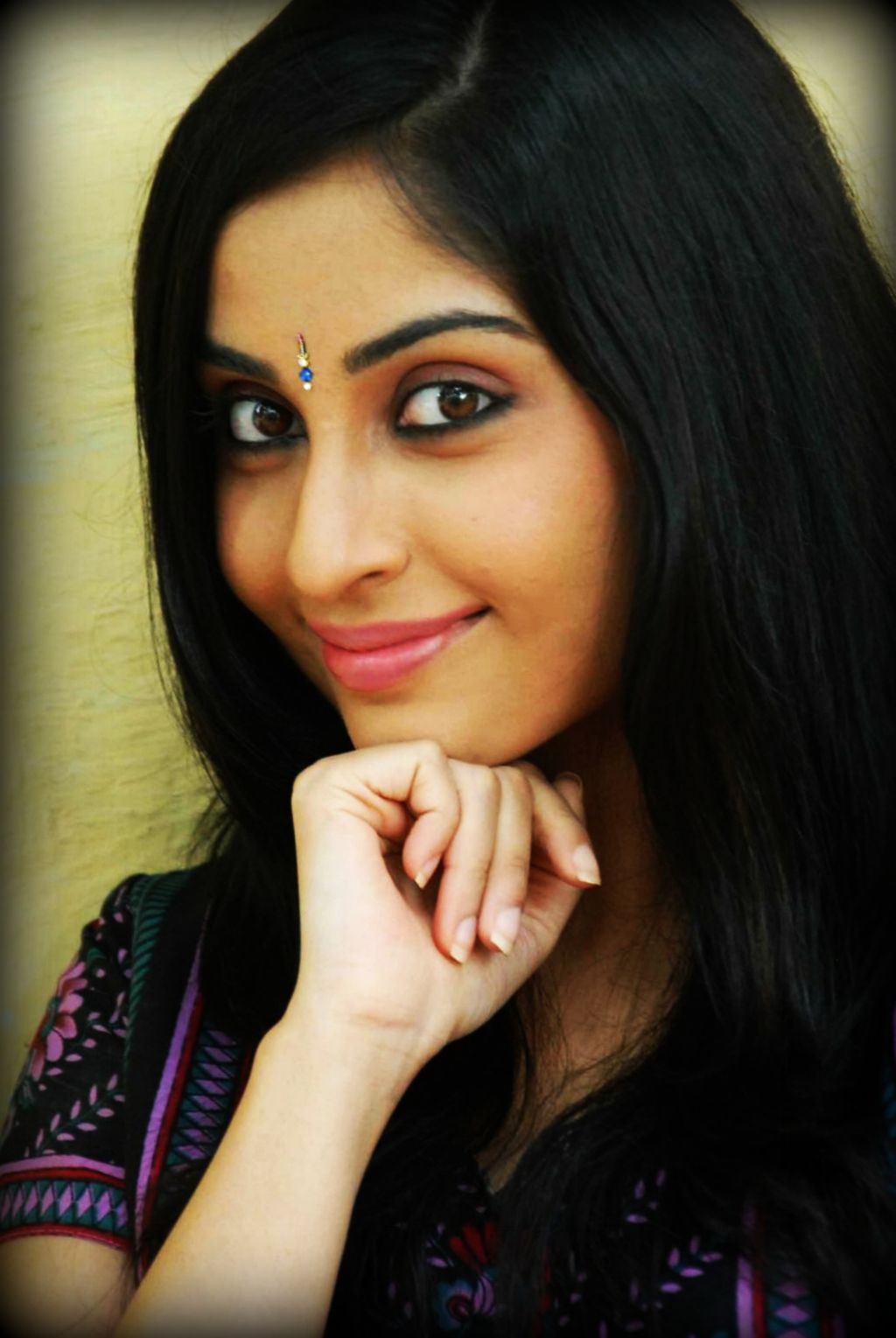 Watch Aishwarya Nag video