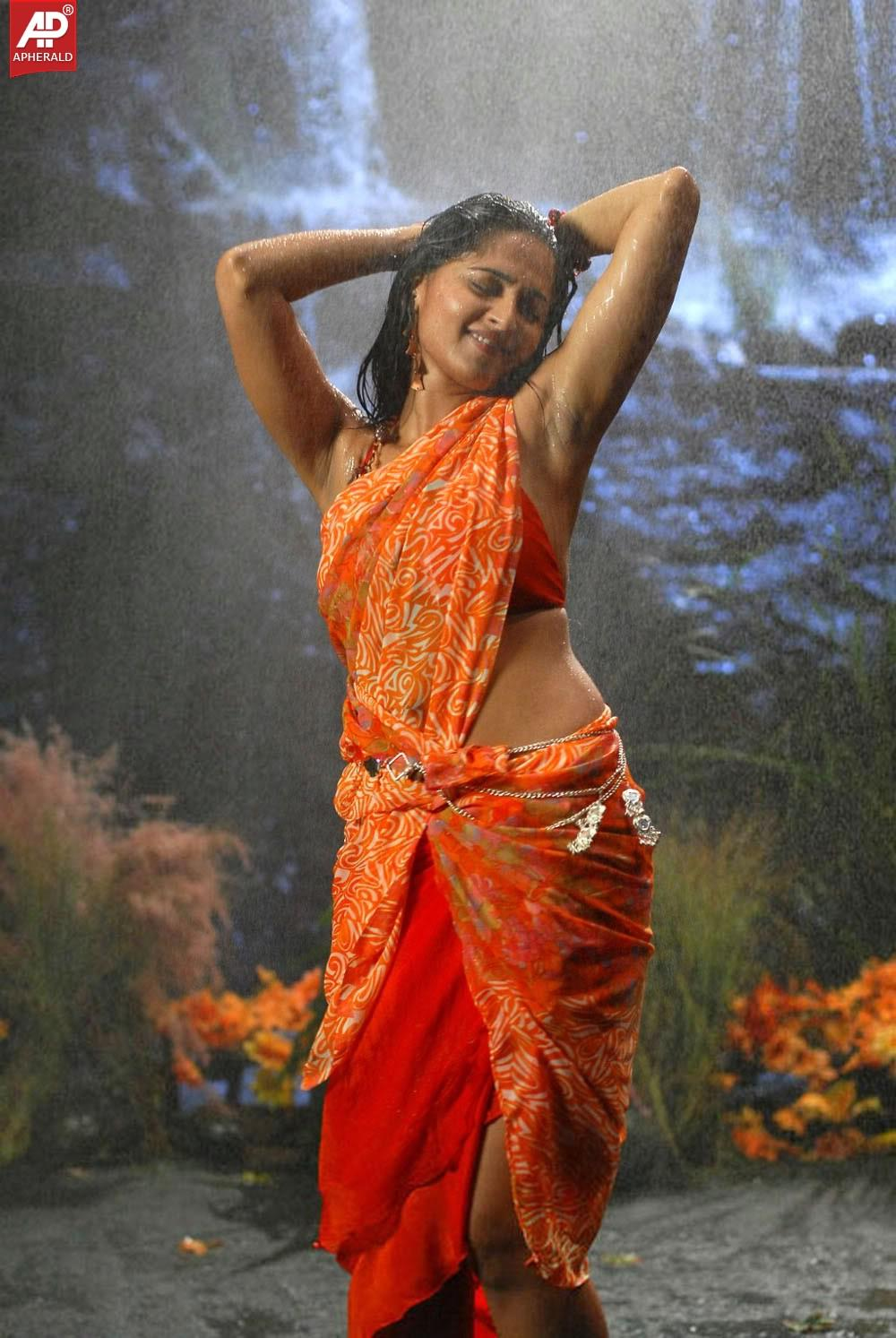 Anushka Shetty hot photos