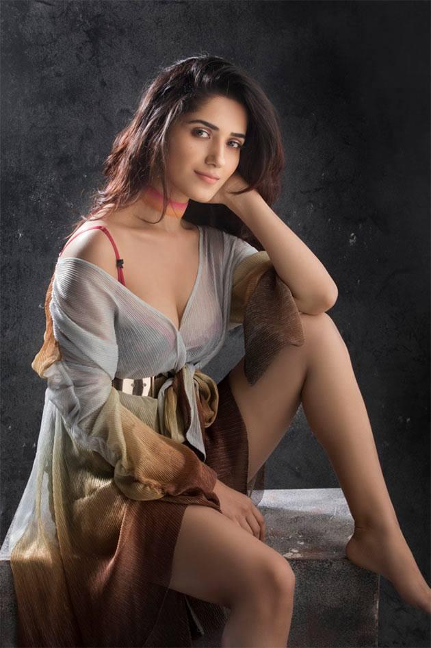 Ruhani Sharma Fan Photos | Ruhani Sharma Pictures, Images - 63021 ...