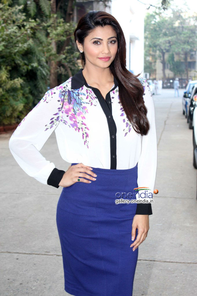 Daisy Shah2