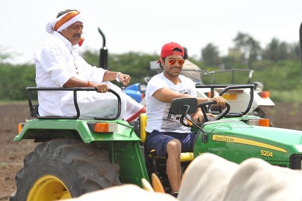 Govindudu Andarivadele latest stills