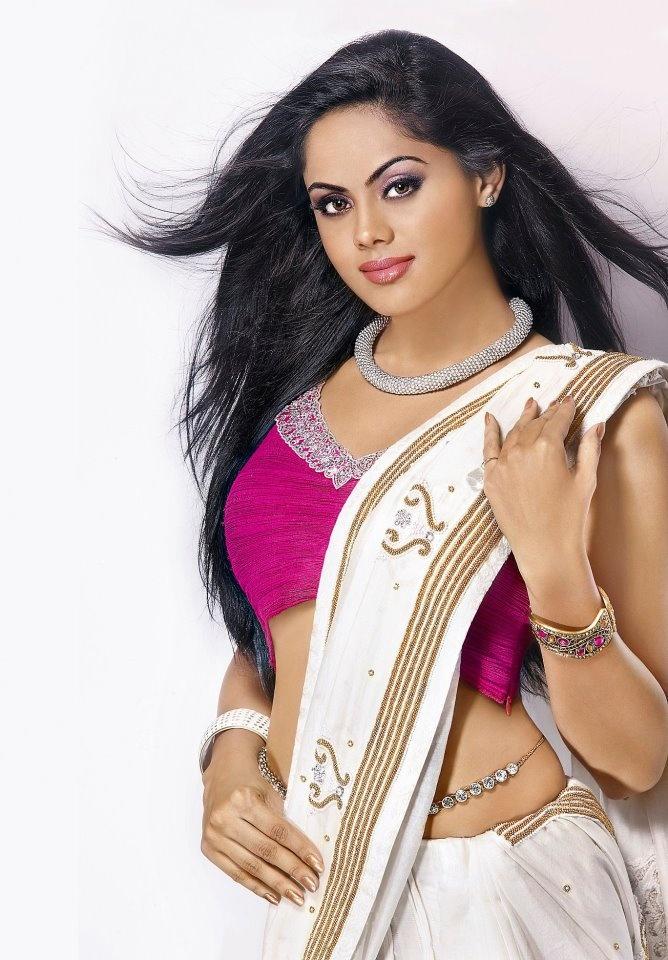 Karthika Nair Hot