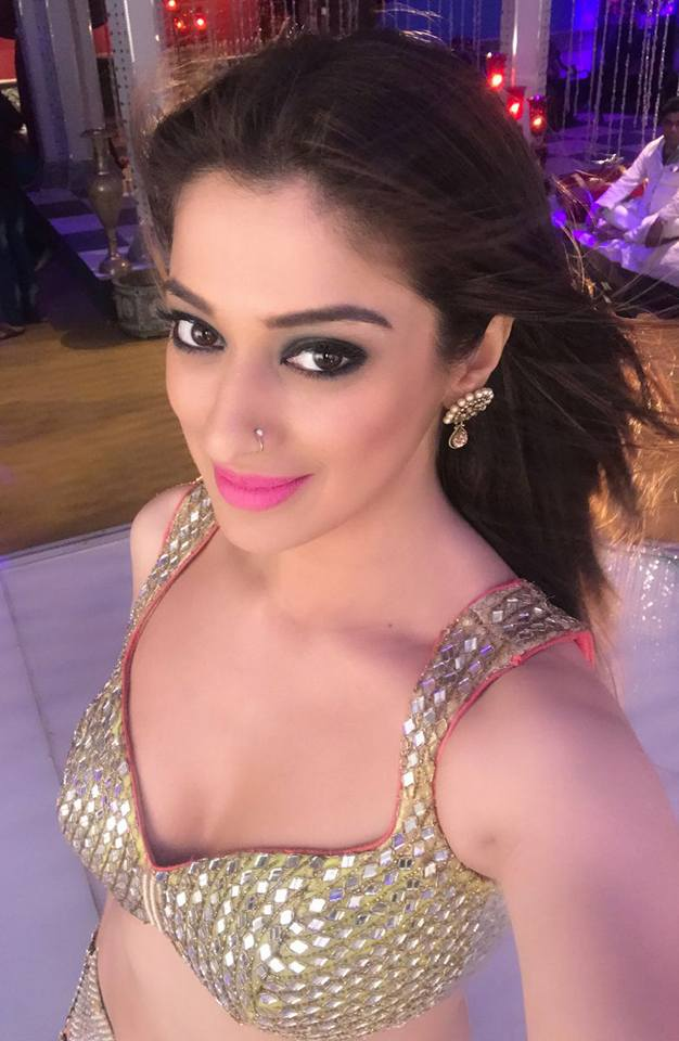 Sizzling actress Raai Lakshmi on the sets