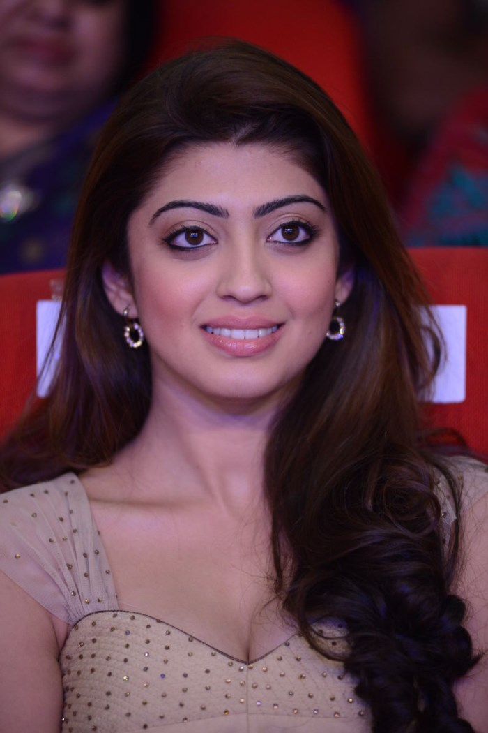 pranitha hot photos
